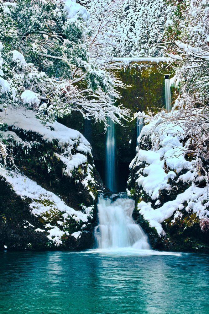 灰屋の滝の雪景色